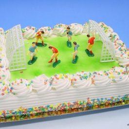 Voetbal met goals taart